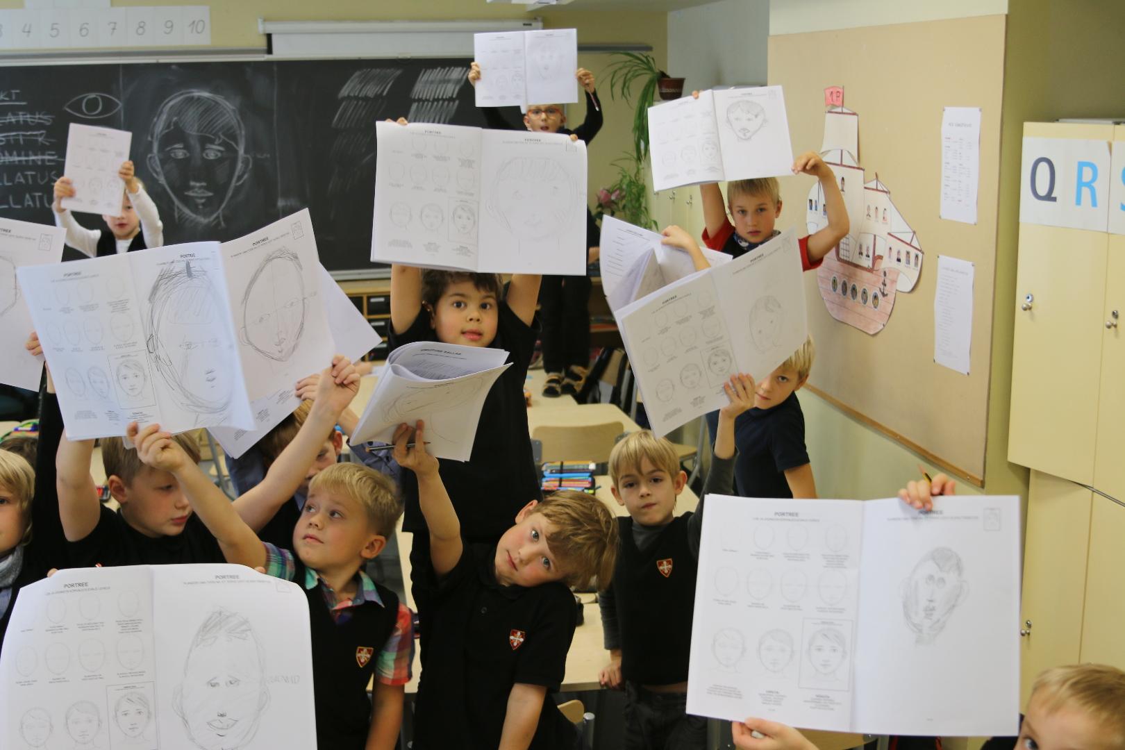 Lihtne joonistamine Vanalinna Hariduskolleegiumi poiste esimeses klassis