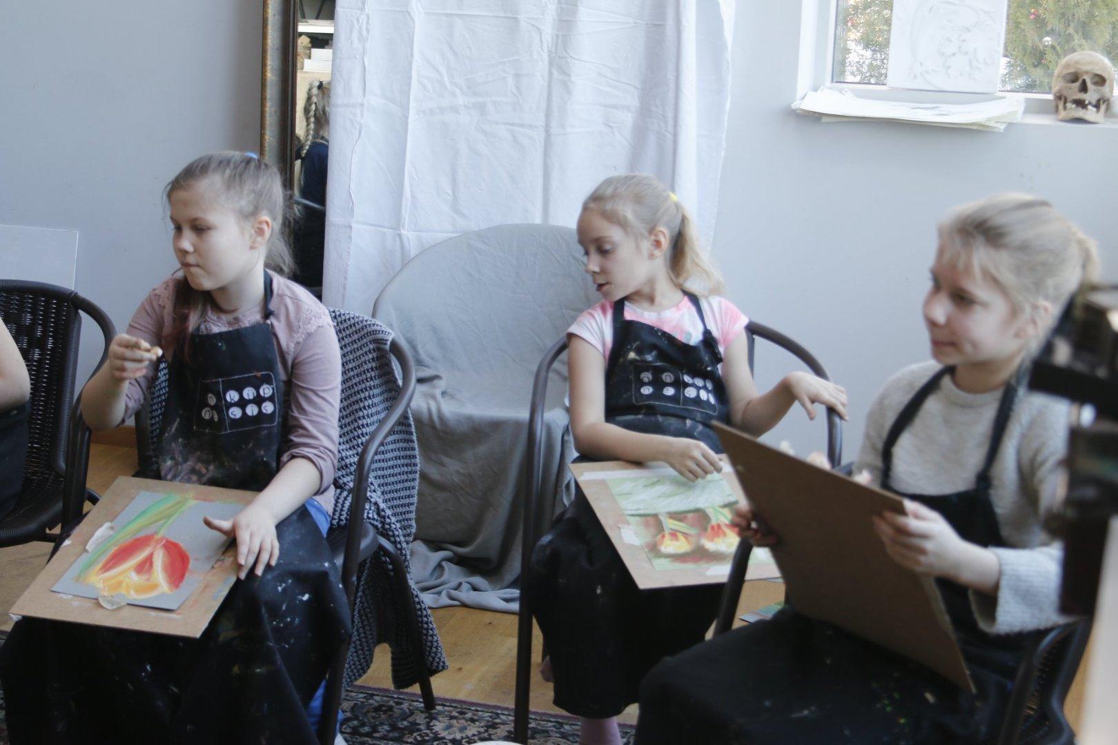 AAPO PUKI LASTEKUNSTIKOOLI GRUPP VANUSES 7-10